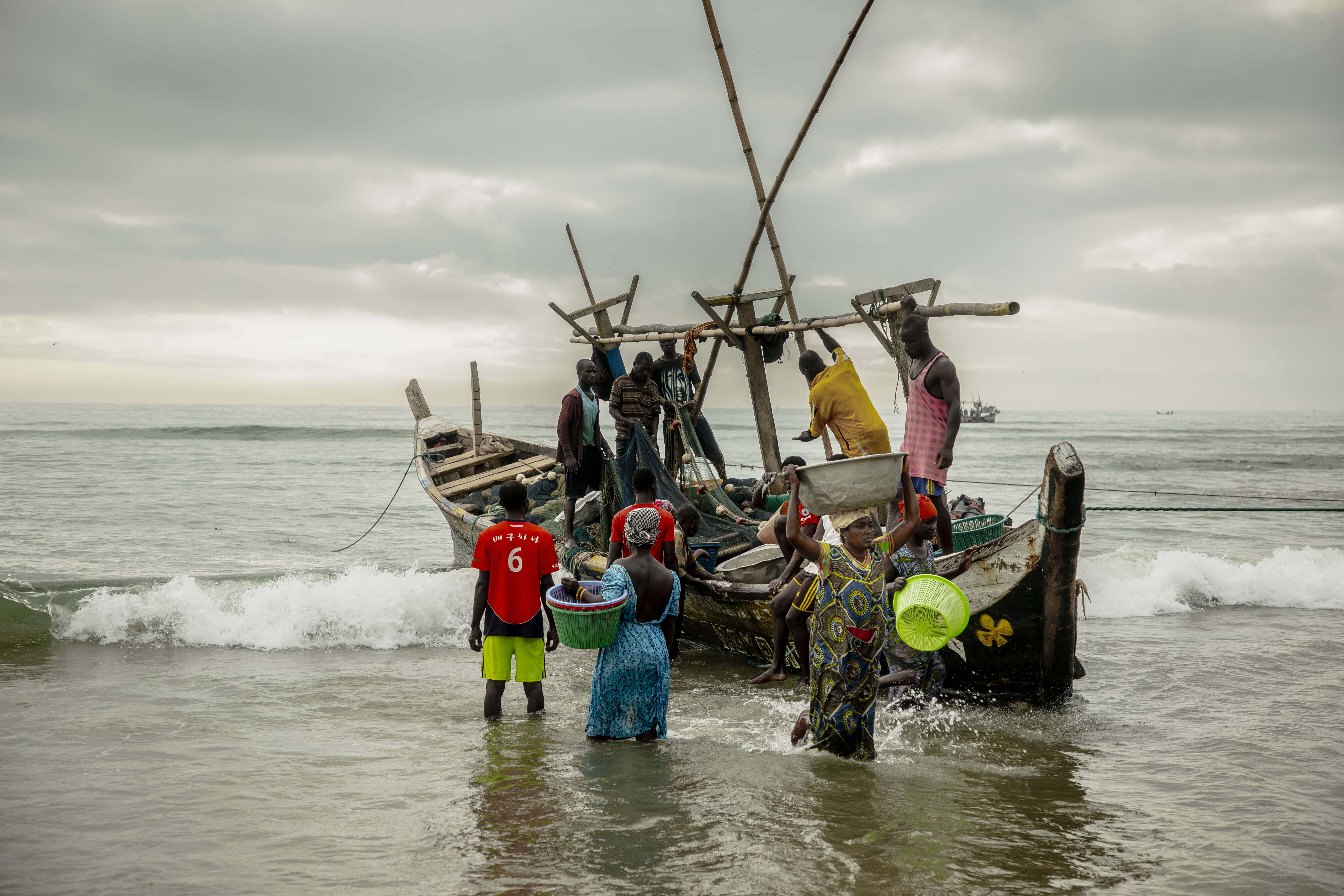 Human rights of Ghana's coastal communities threatened by failure to tackle illegal fishing